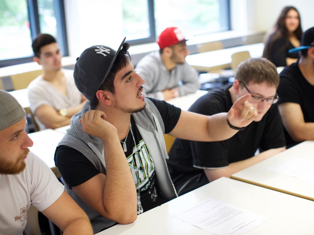 Schülerinnen und Schüler an der Carlo Schmid Schule