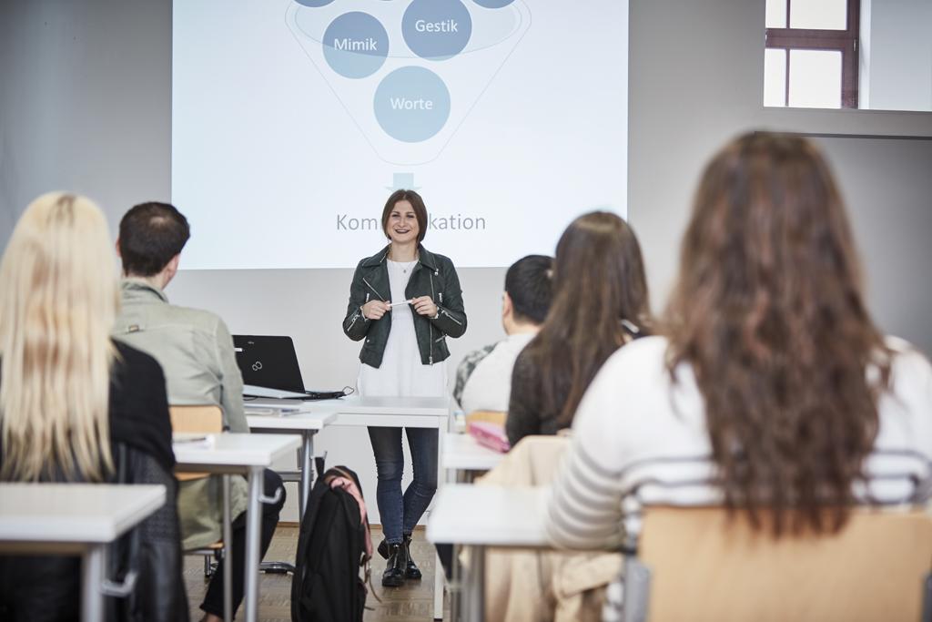 Schüler-Vortrag an der Carlo Schmid Schule Pforzheim