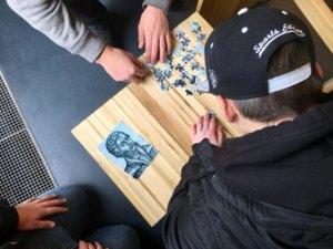 Puzzle Wettbewerb zwischen Schülern der Carlo Schmid Schule Pforzheim